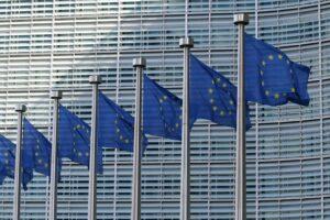 Tegengif roept EU op hormoonverstorende stoffen in cosmetica te verbieden